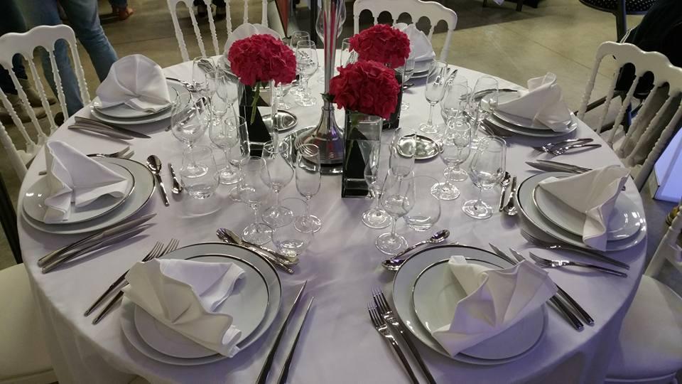 Location de mat riel de r ception vaisselle nappe - Disposition verres sur table ...